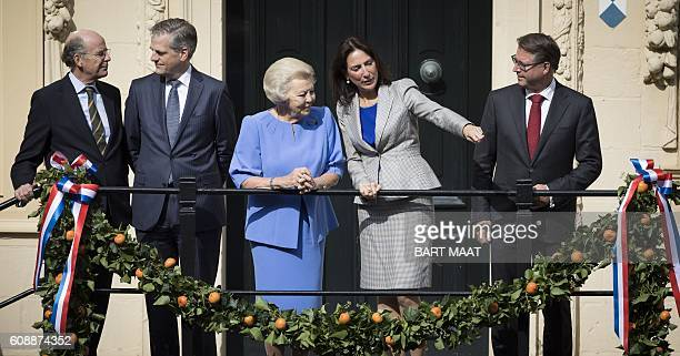Dutch Princess Beatrix stands on the plateau of the The Mauritshuis art museum during the 'Prinsjesdag' in The Hague on September 20 2016 Prince's...
