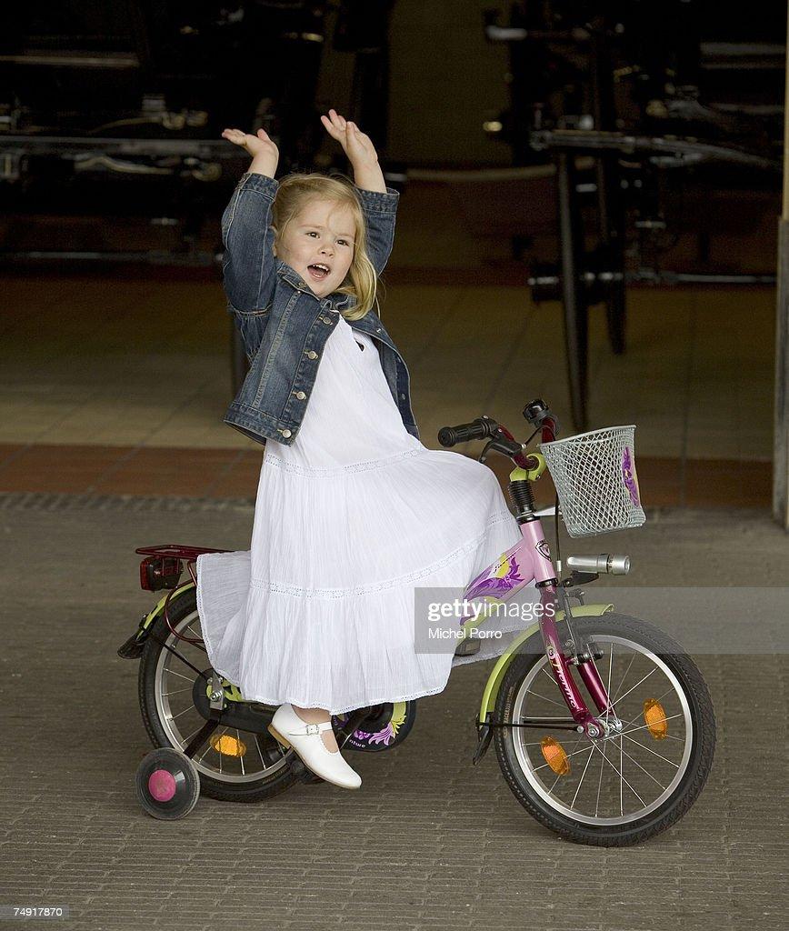 Princess Alexia Celebrates 2nd Birthday : Nieuwsfoto's