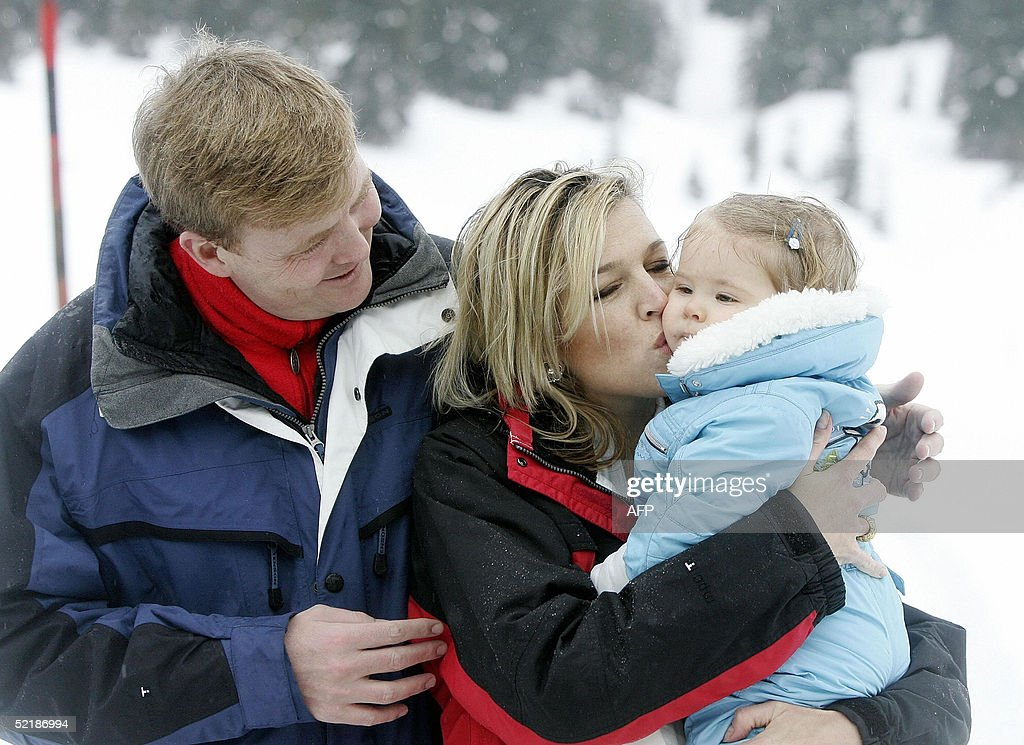 Dutch Princess Maxima (C), Crown Prince Willem-Alexander (L) and their daughter Princess Amalia pose at the Austrian winter sport resort Lech, 12 February 2005. Dutch Queen Beatrix celebrates the winter holiday with her son, daughter in law and her grandchild in Lech.