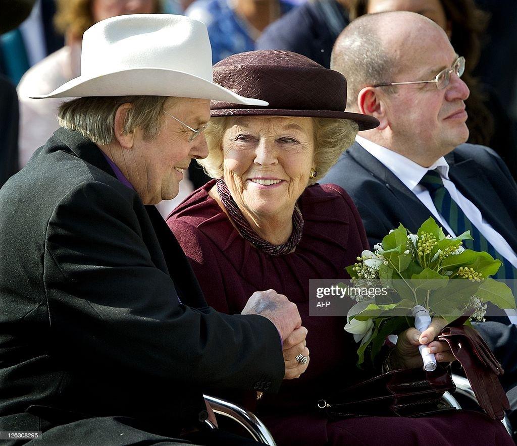 Dutch Queen Beatrix attends the Commemor : News Photo