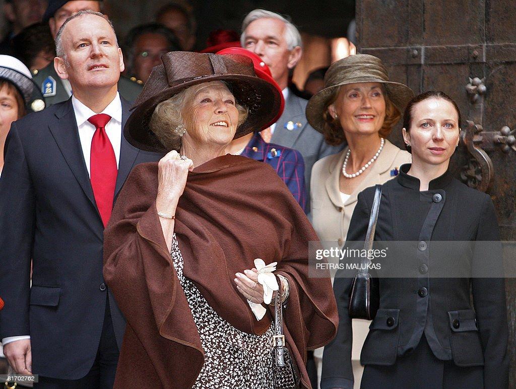 Dutch Queen Beatrix (C) visits Trakai ca : News Photo