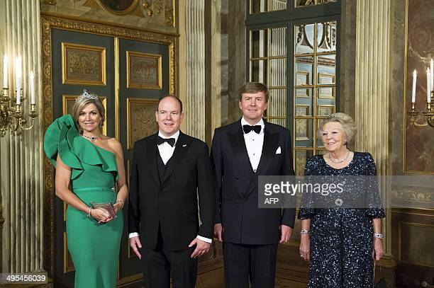Dutch Queen Maxima Prince Albert II of Monaco Dutch King WillemAlexander and Dutch Princess Beatrix pose for a photograph prior to a dinner at the...