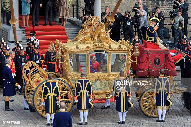 dutch royals leaving binnenhof during prinsjesdag in the hague - prinsjesdag stock photos and pictures