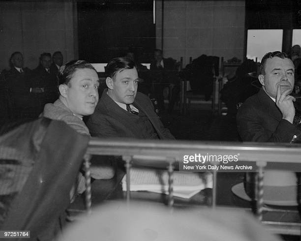Dutch Schultz appearing in Albany court