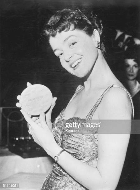 Dutch singer Teddy Scholten wins the Eurovision Song Contest for the Netherlands with her song 'Een Beetje' 11th March 1959