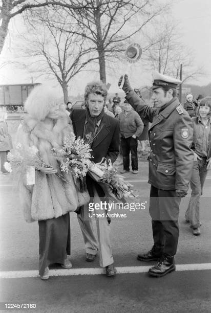 Dutch TV presenter and entertainer Rudi Carrell at the wedding with Anke Bobbert Germany 1974