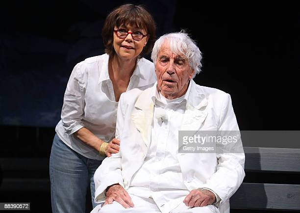 Dutchborn entertainer Johannes Heesters and his wife Simone Rethel are posing for the media during the dress rehearsal for the play 'Jedermann' by...