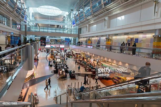Magasin Duty-Free à l'aéroport International de Dubaï