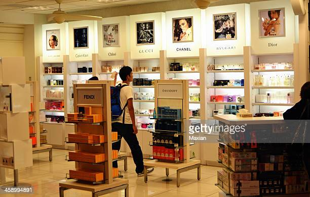 duty free store - chloe designer label stock pictures, royalty-free photos & images
