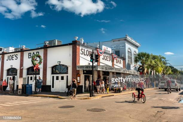 duval street key west florida usa - duval street stock pictures, royalty-free photos & images