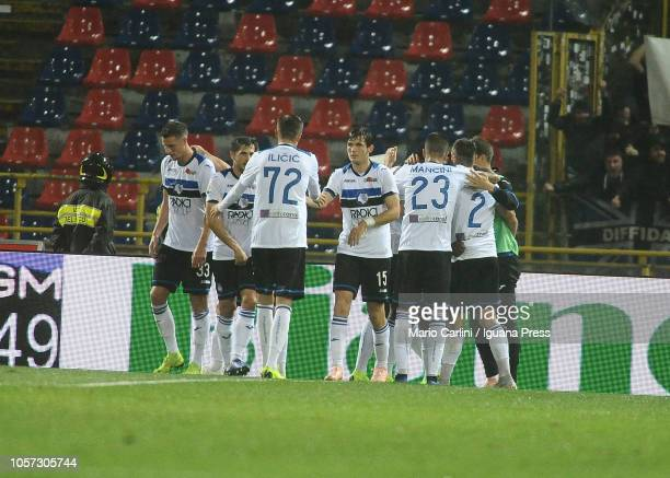 Duvan Zapata of Atalanta BC celebrates after scoring his team's second goal during the Serie A match between Bologna FC and Atalanta BC at Stadio...