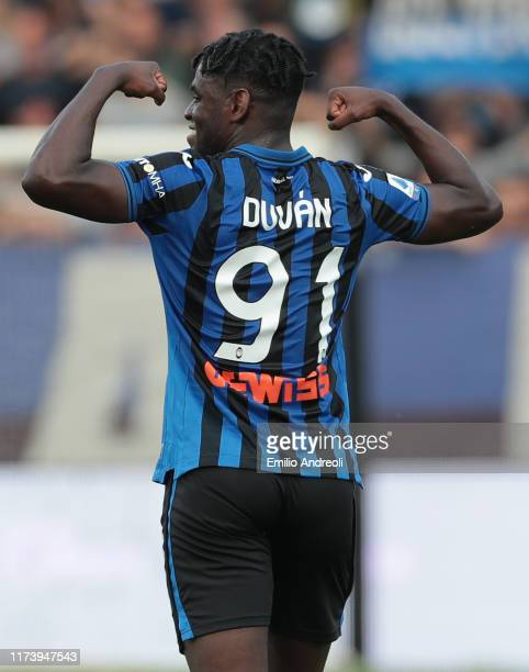 Duvan Zapata of Atalanta BC celebrates after scoring the opening goal during the Serie A match between Atalanta BC and US Lecce at Gewiss Stadium on...