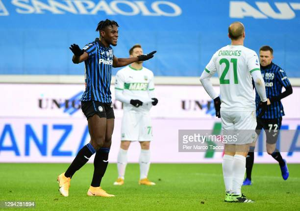 Duvan Zapata of Atalanta B.C. Celebrates after scoring their sides first goal during the Serie A match between Atalanta BC and US Sassuolo at Gewiss...