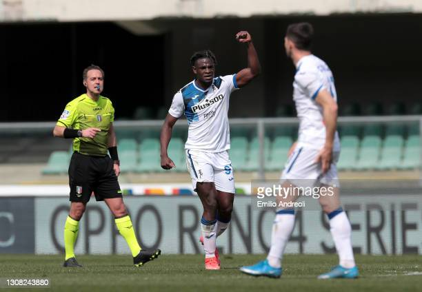 Duvan Zapata of Atalanta B.C. Celebrates after scoring their sides second goal during the Serie A match between Hellas Verona FC and Atalanta BC at...