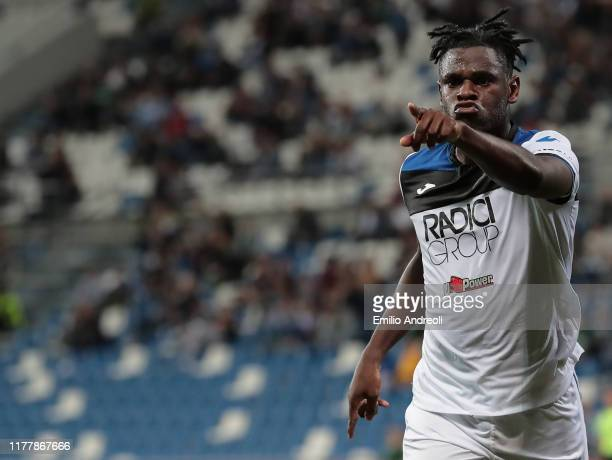 Duvan Zapata of Atalanta BC celebrates his goal during the Serie A match between US Sassuolo and Atalanta BC at Mapei Stadium - Citta del Tricolore...