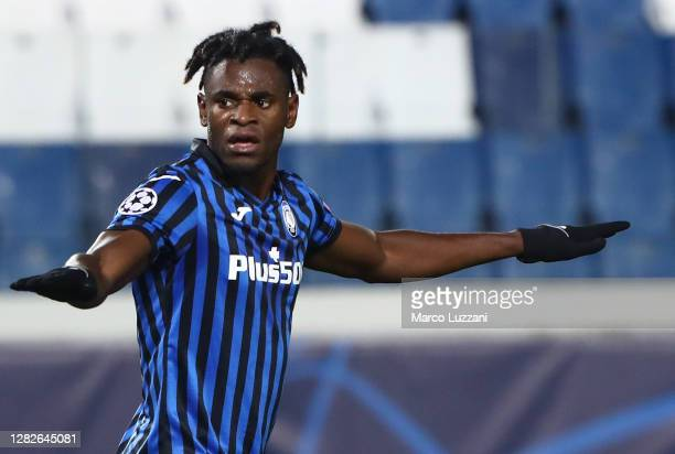 Duvan Zapata of Atalanta BC celebrates his second goal during the UEFA Champions League Group D stage match between Atalanta BC and Ajax Amsterdam at...