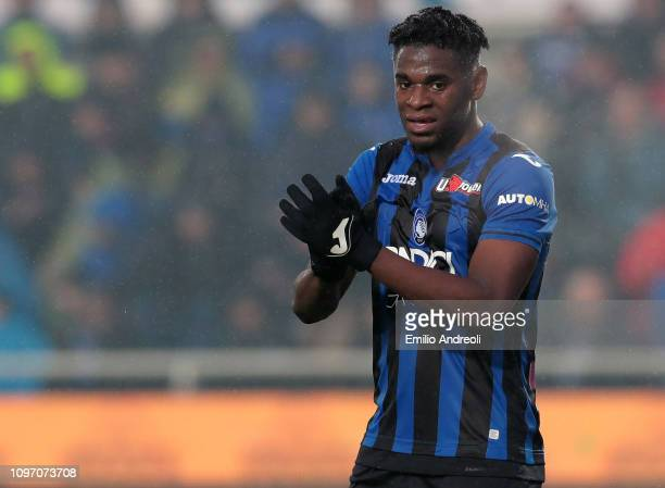 Duvan Zapata of Atalanta BC gestures during the Serie A match between Atalanta BC and SPAL at Stadio Atleti Azzurri d'Italia on February 10 2019 in...