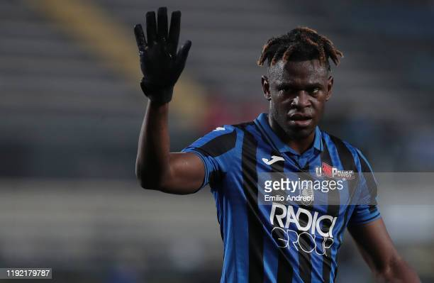 Duvan Zapata of Atalanta BC gestures during the Serie A match between Atalanta BC and Parma Calcio at Gewiss Stadium on January 6, 2020 in Bergamo,...