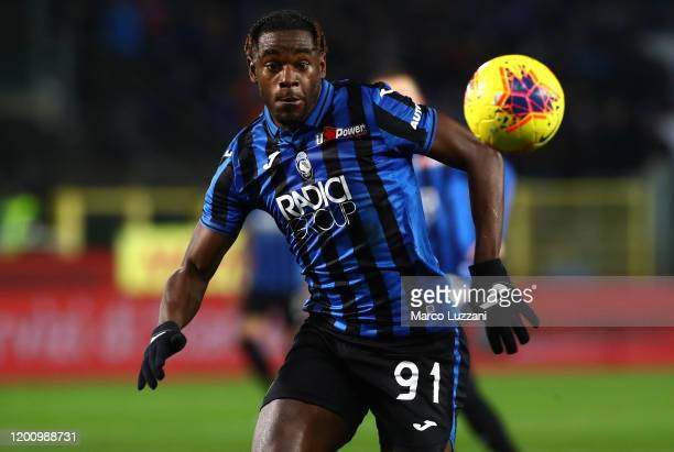 Duvan Zapata of Atalanta BC in action during the Serie A match between Atalanta BC and SPAL at Gewiss Stadium on January 20, 2020 in Bergamo, Italy.