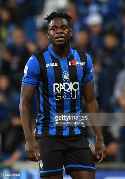 Duvan Zapata of Atalanta BC looks on during the Serie A match between Atalanta BC and US Sassuolo at Mapei Stadium - Citta del Tricolore on May 26,...