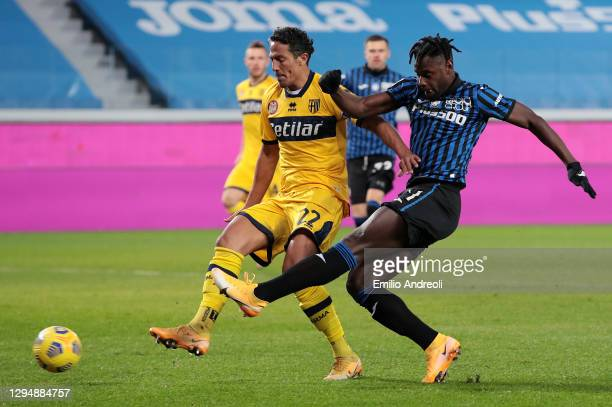 Duvan Zapata of Atalanta B.C. Scores his teams 2nd goal during the Serie A match between Atalanta BC and Parma Calcio at Gewiss Stadium on January...