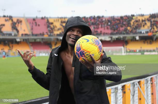 Duvan Zapata of Atalanta celebrates after the Serie A match between US Lecce and Atalanta BC at Stadio Via del Mare on March 1, 2020 in Lecce, Italy.