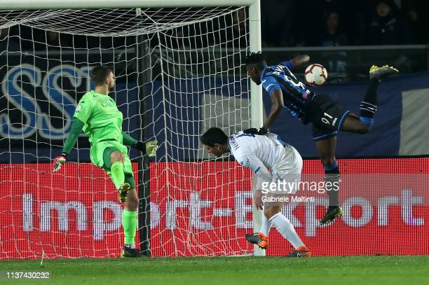 Duvan Zapata of Atalnta BC in action during the Serie A match between Atalanta BC and Empoli at Stadio Atleti Azzurri d'Italia on April 15 2019 in...