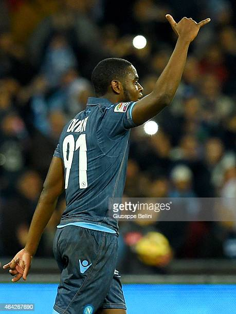 Duvan Zapata of Napoli celebrates after scoring the opening goal during the Serie A match between SSC Napoli and US Sassuolo Calcio at Stadio San...