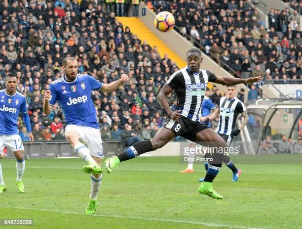 Duvan Zapata of Udinese Calcio competes with Giorgio Chiellini of Juventus FC during the Serie A match between Udinese Calcio and Juventus FC at...