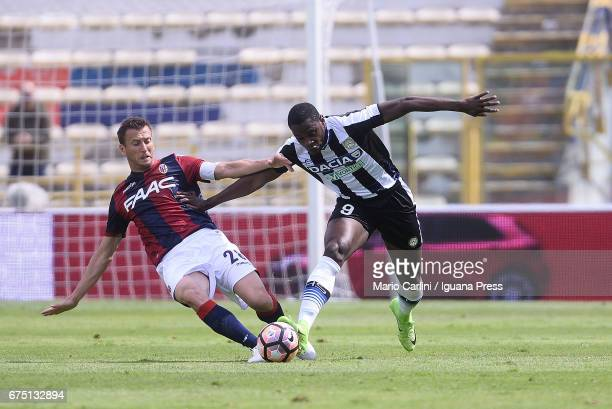 Duvan Zapata of Udinese Calcio in action during the Serie A match between Bologna FC and Udinese Calcio at Stadio Renato Dall'Ara on April 30 2017 in...
