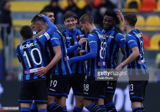 Duvan Zapata with his teammates of Atalanta BC celebrates after scoring the team's third goal during the Serie A match between Frosinone Calcio and...