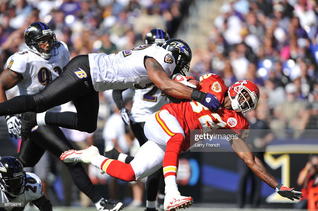 Dwayne Bowe #82 of the Kansas City Chiefs runs the ball against the Baltimore Ravens at M&T Bank Stadium on September 13, 2009 in Baltimore, Maryland. The Ravens defeated the Chiefs 38-24.
