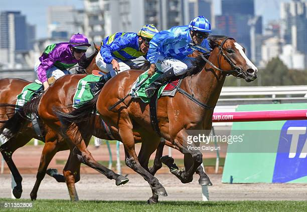 Dwayne Dunn riding Don't Doubt Mamma winning Race The TAB Vanity during Black Caviar Lightning Stakes Day at Flemington Racecourse on February 20...