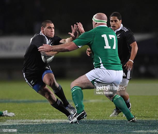 Sam Whitelock Breaks A Tackle: John Hayes Rugby Player Foto E Immagini Stock