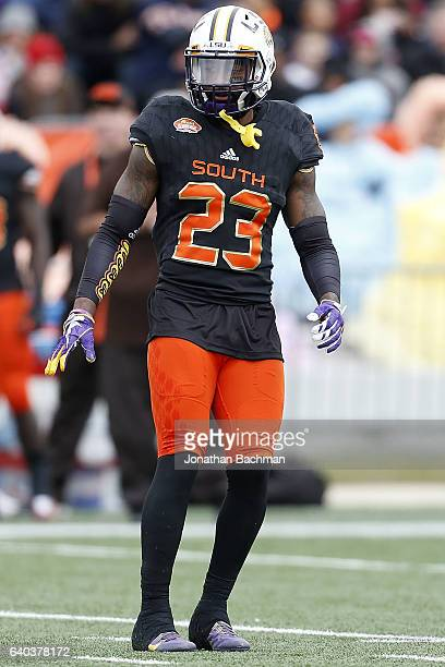 Dwayne Thomas of the South team defends during the Reese's Senior Bowl at the LaddPeebles Stadium on January 28 2017 in Mobile Alabama