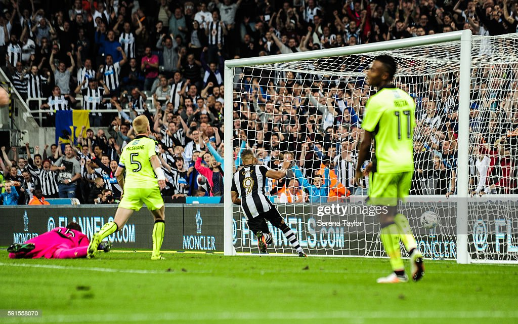 Dwight Gale of Newcastle United (09) scores Newcastle's fourth goal from a free kick during the Sky Bet Championship match between Newcastle United and Reading at St.James' Park on August 17, 2016, in Newcastle upon Tyne, England.
