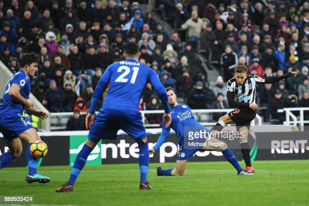 Dwight Gayle of Newcastle United scores the 2nd Newcastle goal during the Premier League match between Newcastle United and Leicester City at St...