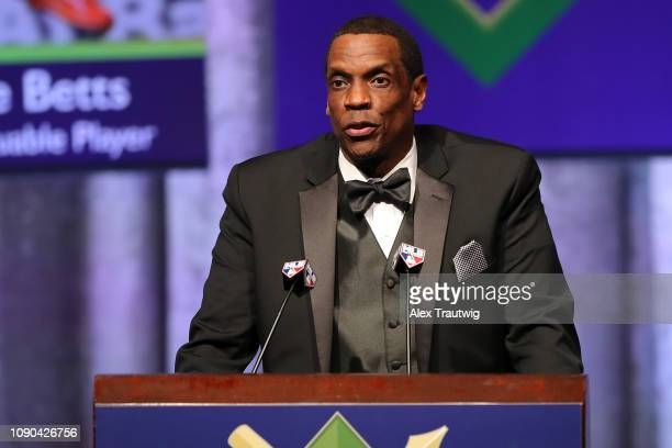 Dwight Gooden introduces National League Cy Young Award winner Jacob deGrom of the New York Mets during the 2019 Baseball Writers' Association of...