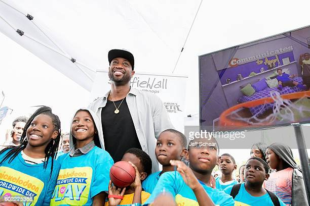 Dwyane Wade attends Nickelodeon's Road To Worldwide Day of Play With Dwyane Wade at Willie Mae Morris Empowerment Center on September 10 2016 in...
