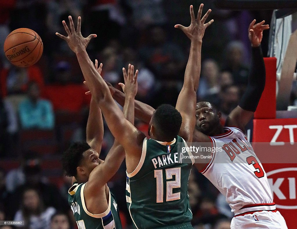 Milwaukee Bucks v Chicago Bulls : News Photo