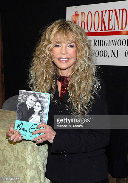 """Dyan Cannon promotes the new book """"Dear Carey: My Life with Cary Grant"""" at Bookends Bookstore on September 22, 2011 in Ridgewood, New Jersey."""
