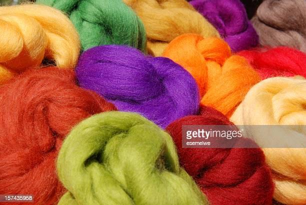 novo lã tingido - lã - fotografias e filmes do acervo