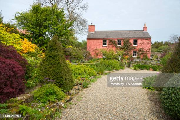 dyffryn fernant gardens, dinas, pembrokeshire, wales - gravel stock pictures, royalty-free photos & images