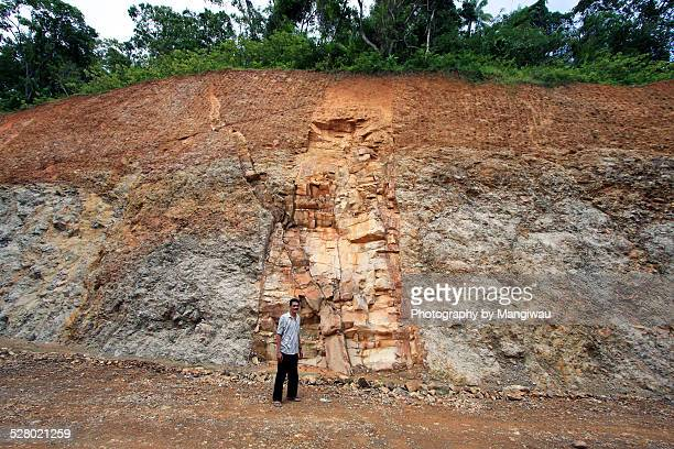 dyke - rock strata stock pictures, royalty-free photos & images
