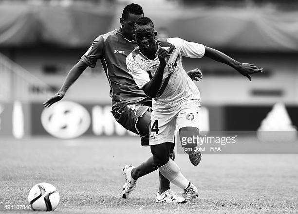 Dylan Andrade of Honduras and Mamady Diarra of Mali chase the ball during the FIFA U17 World Cup Chile 2015 Group D match between Mali and Honduras...