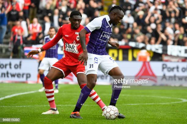 Dylan Batubinsika defender of Antwerp FC Jacques Zoua of Beerschot Wilrijk during the Jupiler Pro League play off 2 match between Royal Antwerp FC...