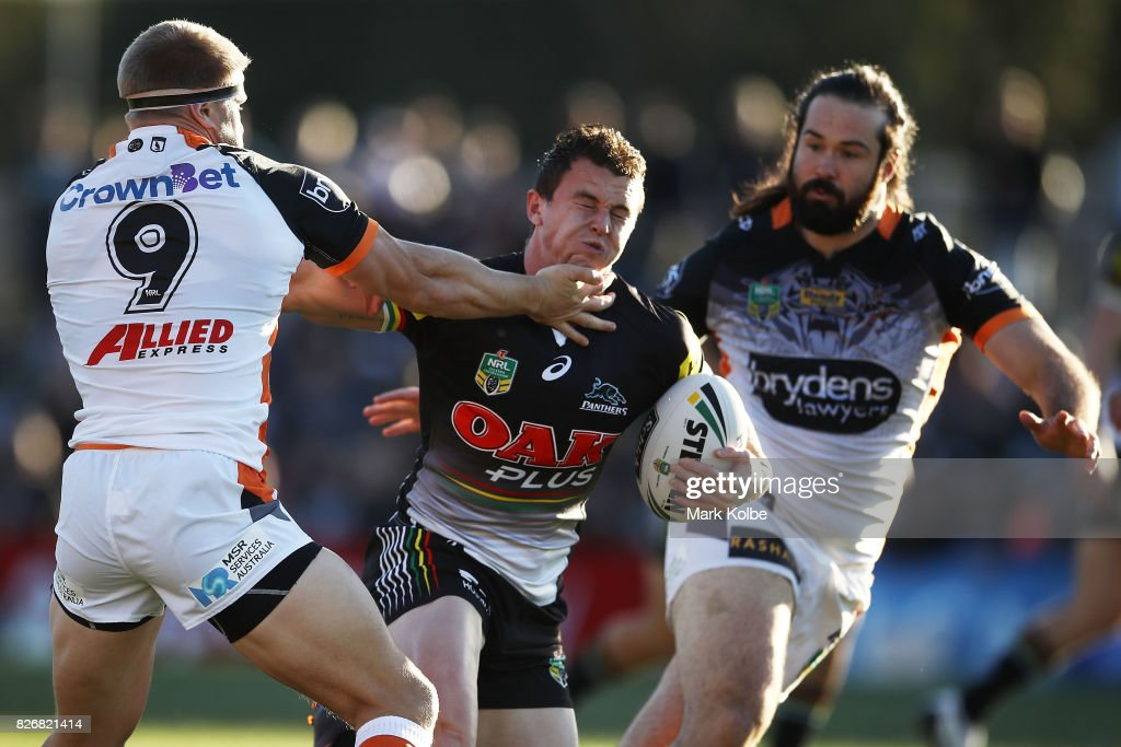 NRL Rd 22 - Panthers v Wests Tigers : News Photo