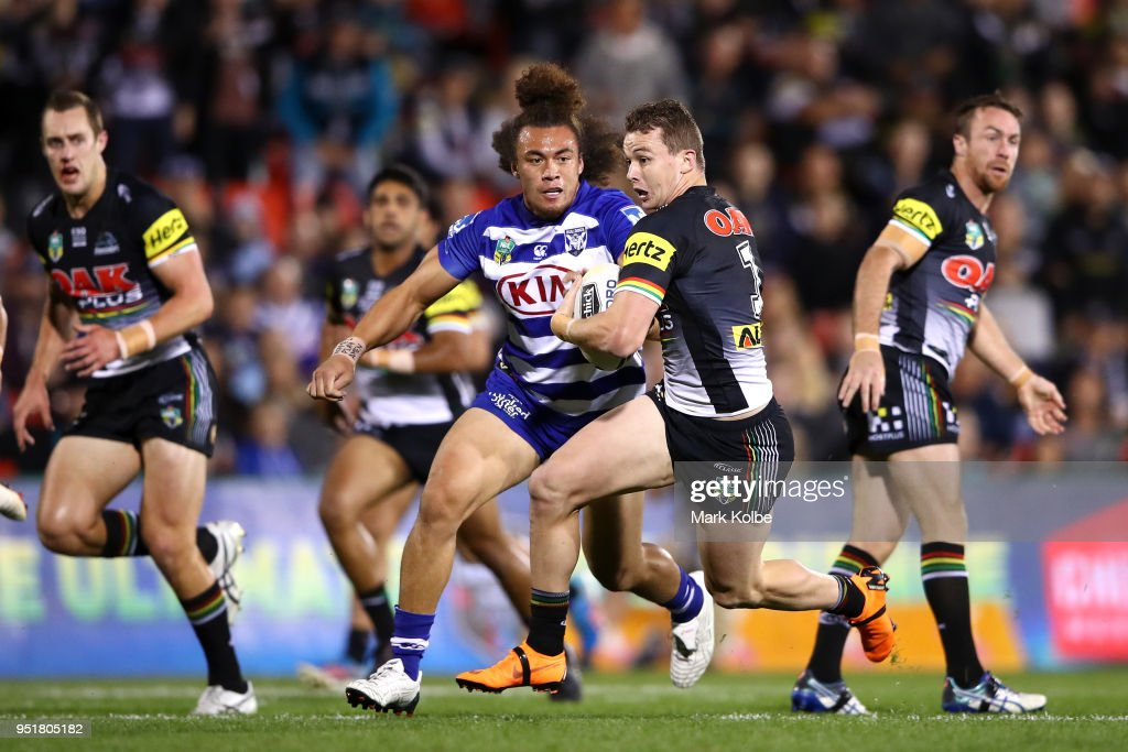 NRL Rd 8 - Panthers v Bulldogs : News Photo