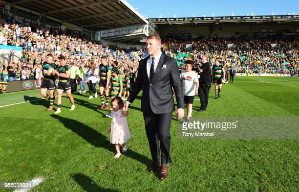 Dylan Hartley of Northampton Saints leads the players on a lap of honour after the Aviva Premiership match between Northampton Saints and Worcester...