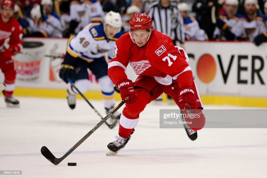 St. Louis Blues v Detroit Red Wings : News Photo